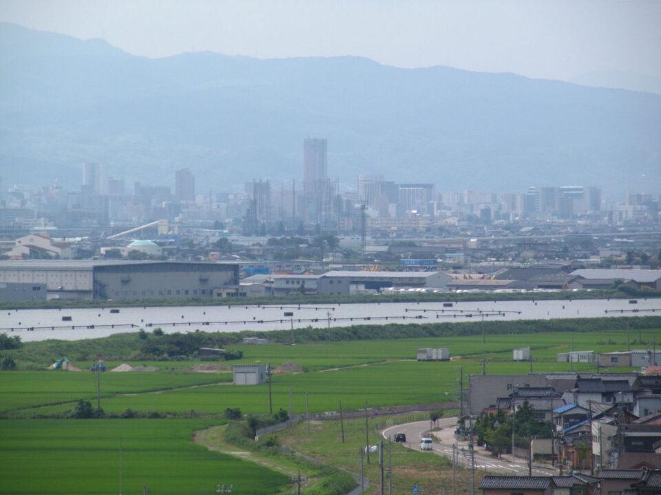 内灘大橋から金沢方面