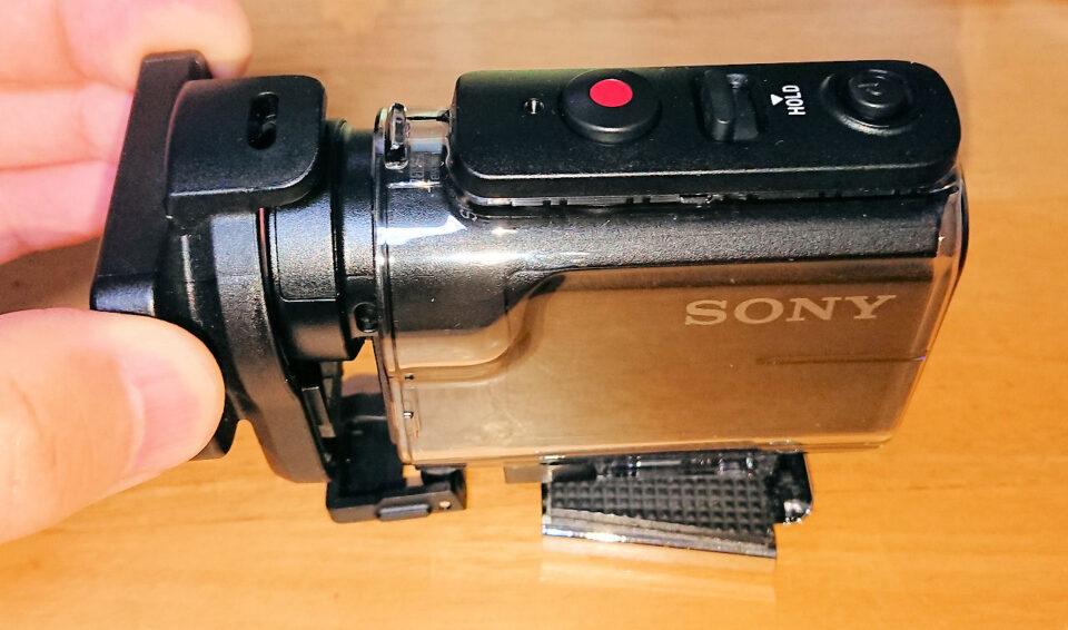 レンズプロテクターが干渉して蓋が閉まらない